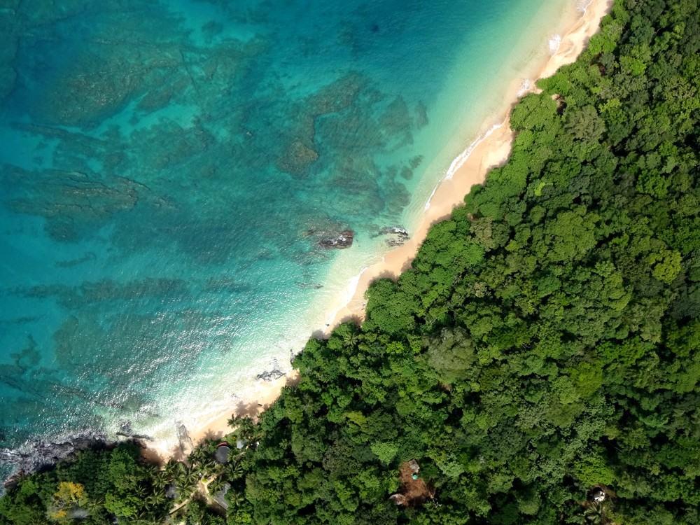 Monitorização costeira via drone na Ilha do Príncipe, São Tomé e Príncipe